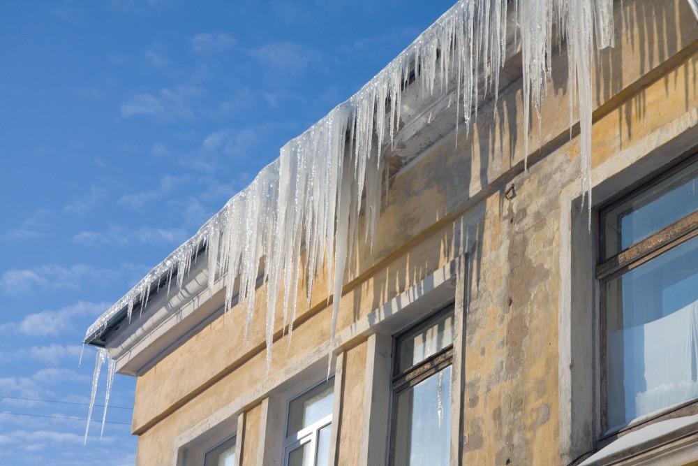 сосульки на крышах