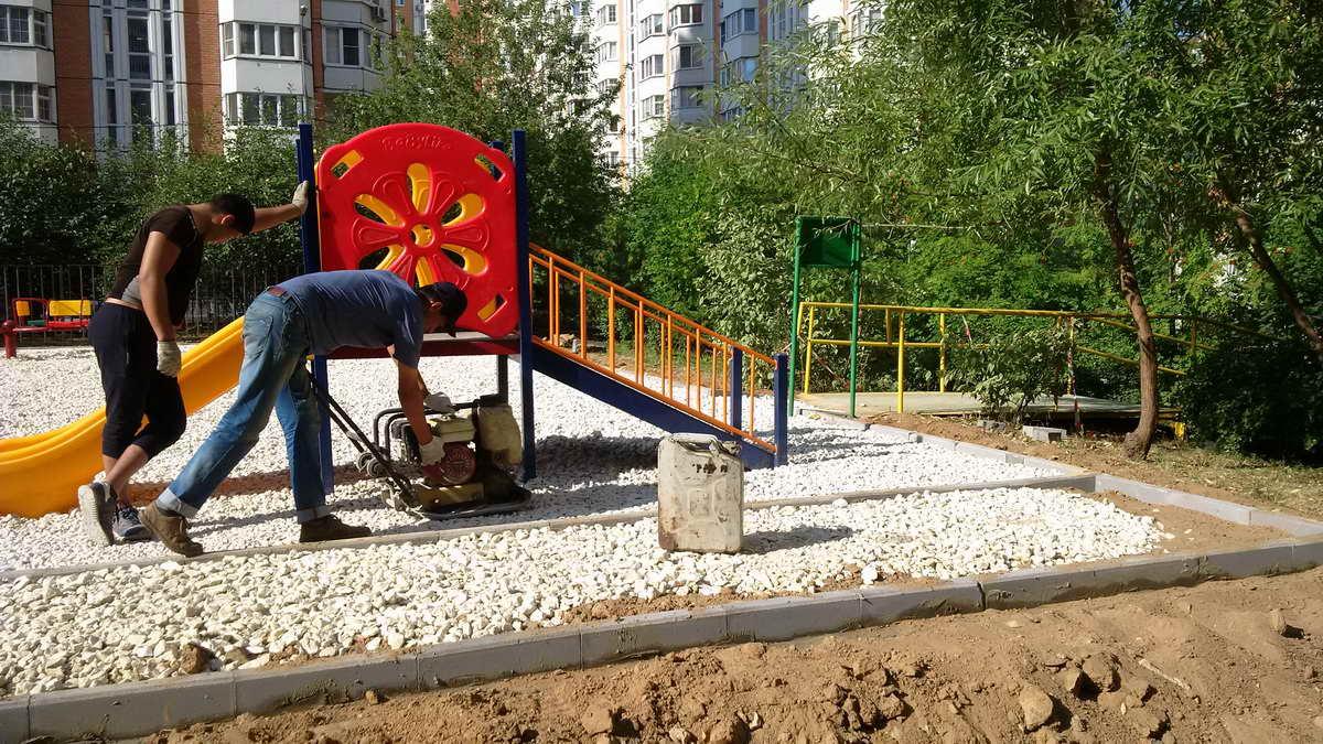 ustanovka-detskoj-ploshhadki-2