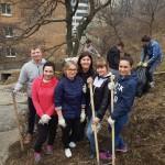 Уборку дворов провели управляющие организации Владивостока